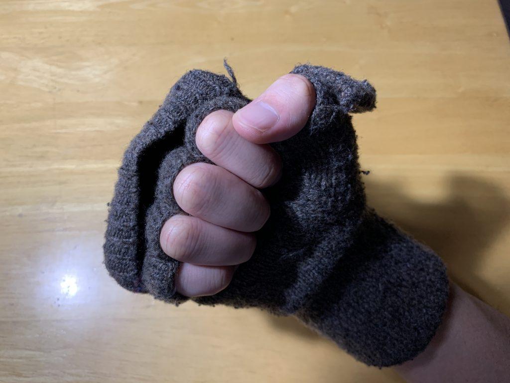 半指手袋のグー