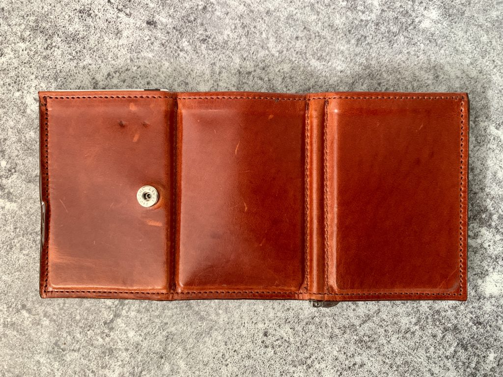 ベネ財布の外側